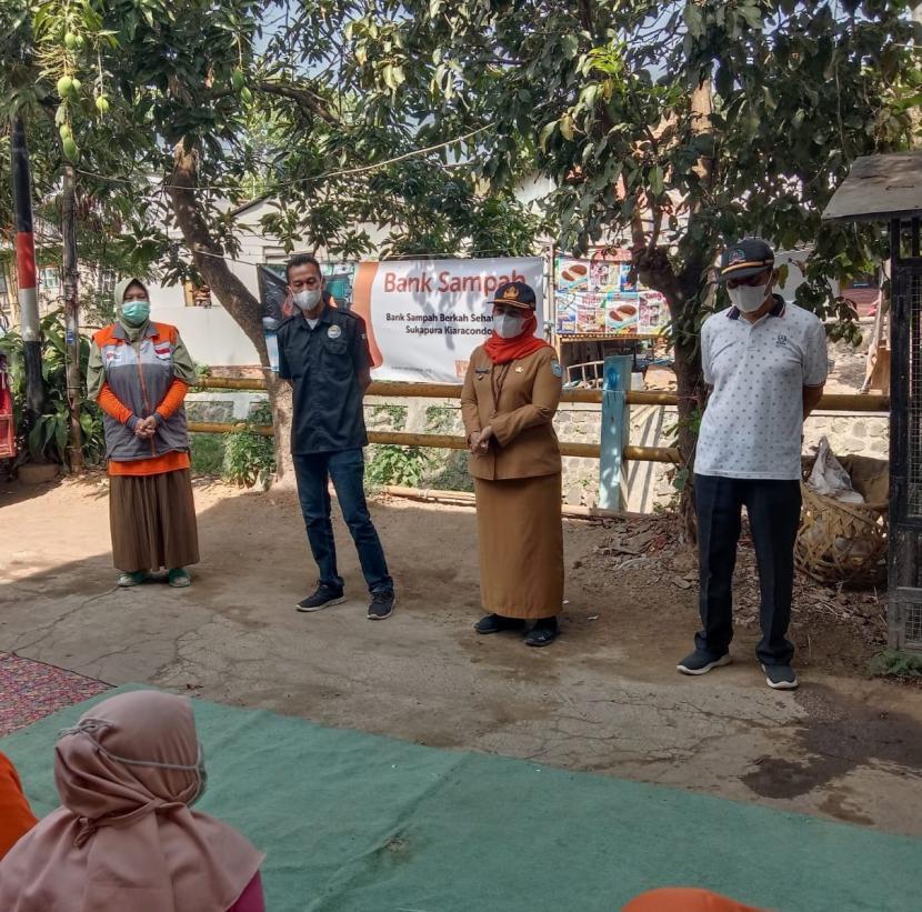 Rumah Zakat ikut serta dalam kegiatan Beberesih Bandung Jilid 3 yang diselenggarakan secara serentak di seluruh Kota Bandung.