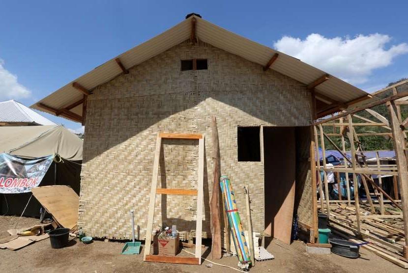 Rumah Zakat membagun 265 shelter di pos pengungsian di Dusun Menggala, Desa Pemenang, Kecamatan Pemenang, Kabupaten Lombok Utara di atas tanah milik pemerintah setempat.