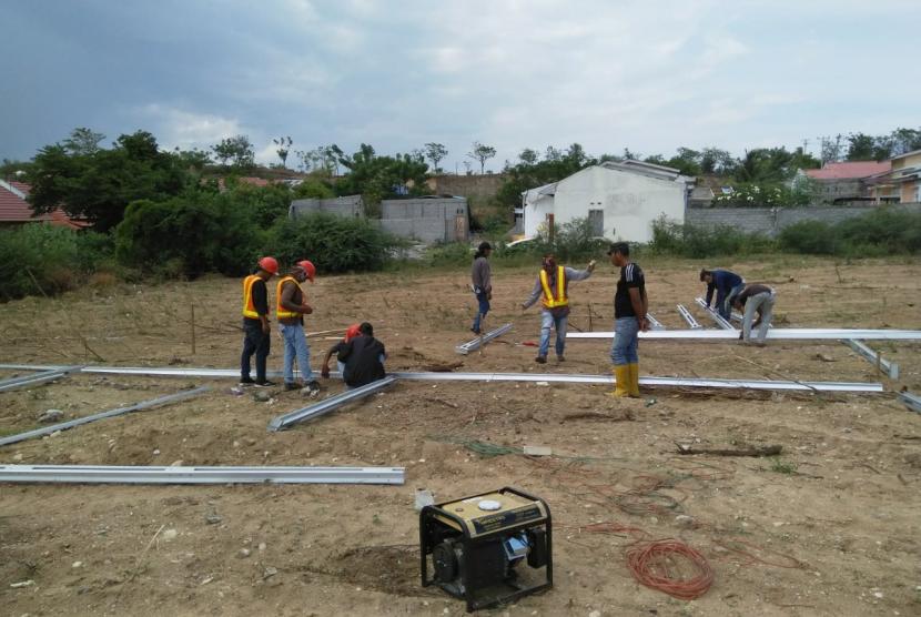 Rumah Zakat membantu menyediakan hunian sementara untuk korban gempa Palu.