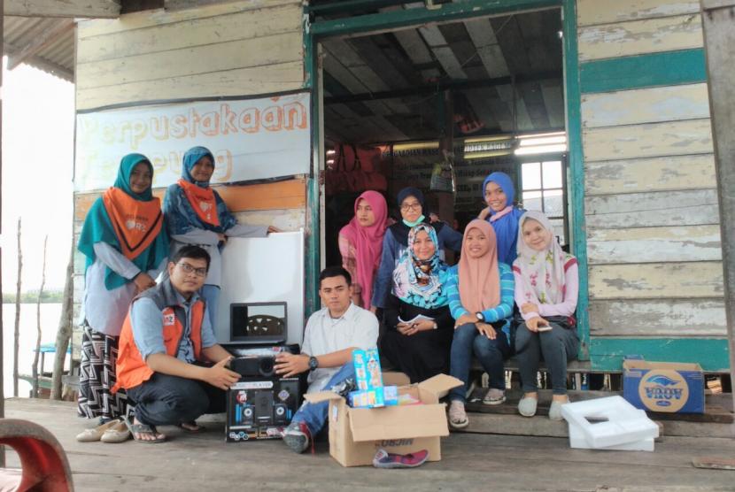 Rumah Zakat membantu perpustakaan terapung di Medan.