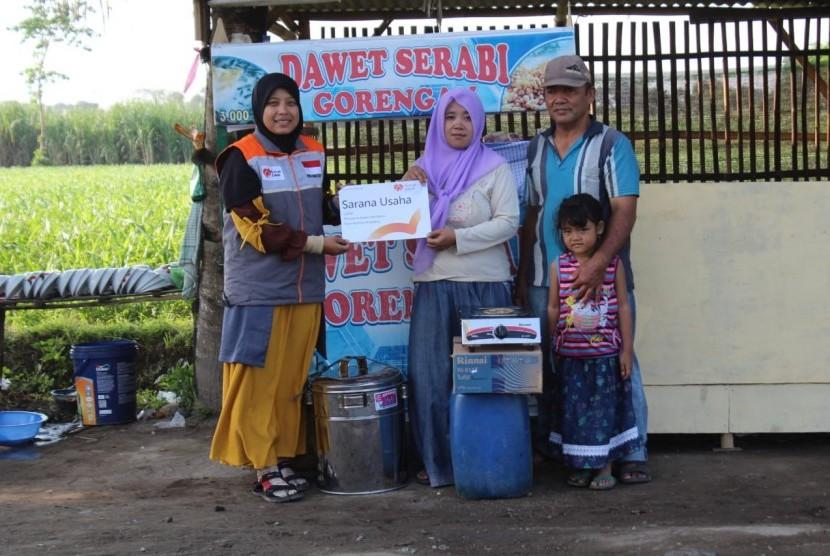 Rumah Zakat membantu sarana usaha untuk Latifah