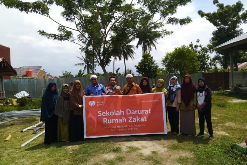 Rumah Zakat mendirikan sekolah darurat di beberapa lokasi di Kota Palu dan Kabupaten Sigi.