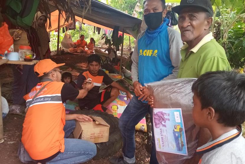 Rumah Zakat salurkan Superqurban untuk korban gempa Halmahera Selatan.