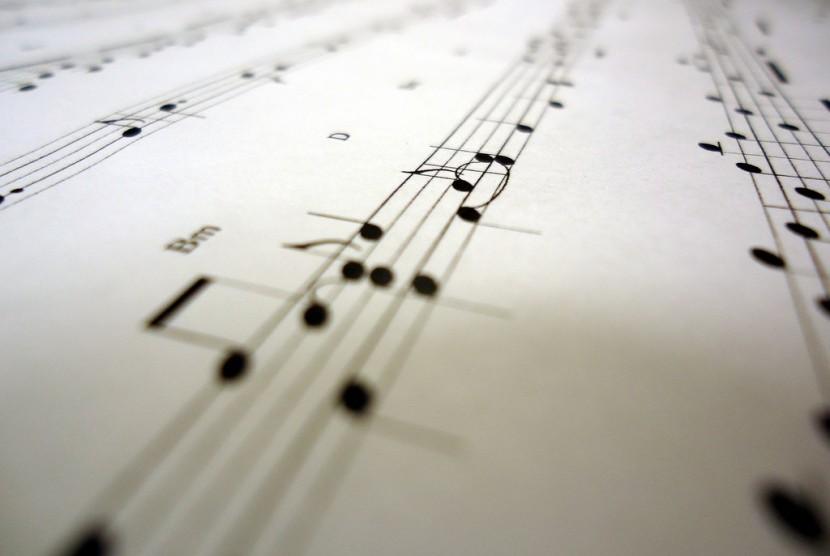 RUU Permusikan sedang menuai pro dan kontra di kalangan pekerja seni musik dan legislatif.