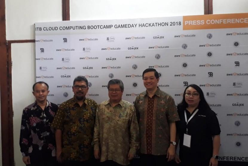 Saat ini permintaan layanan cloud computing di Indonesia tumbuh sangat pesat.