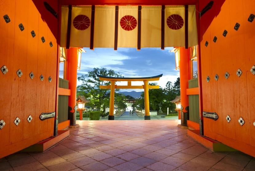 Salah satu atraksi wisata Fuil Fushimi Inari di Kyoto, Jepang.