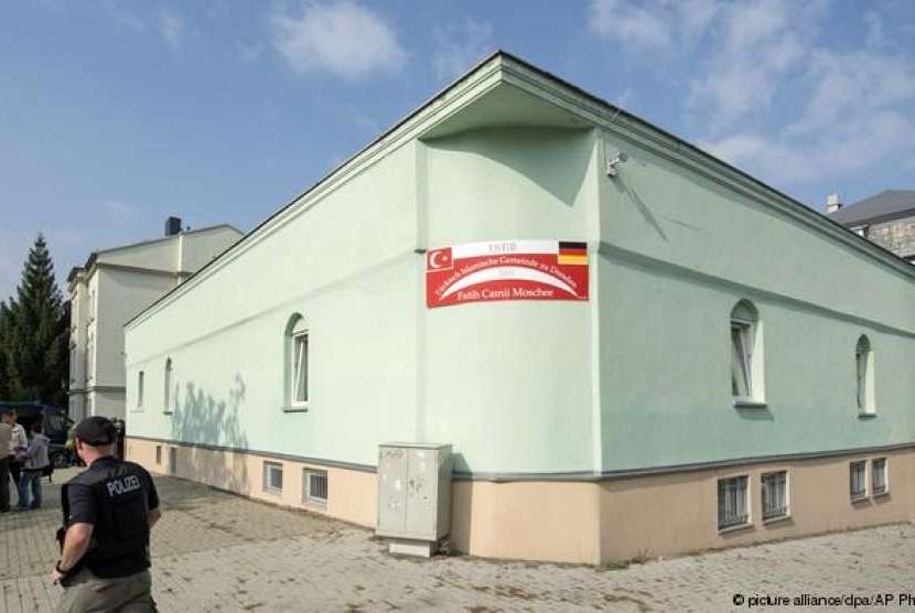 Salah satu bangunan masjid di Jerman