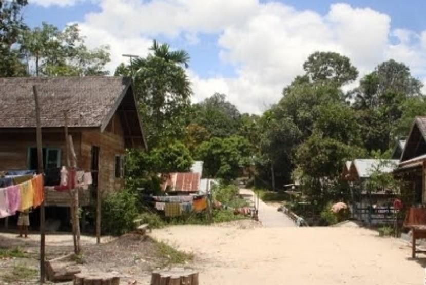Salah satu desa tertinggal di Kalimantan.