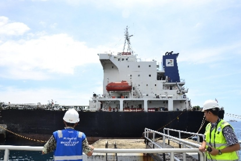 Salah satu kapal tanker milik PT Pertamina.
