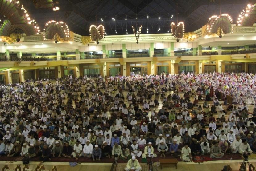 Salah satu kegiatan di Masjid Jakarta Islamic Centre (JIC) Jakarta.