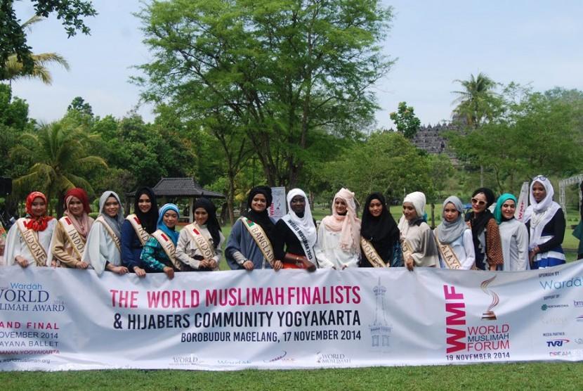 Salah satu kegiatan yang dilakukan finalis Miss World Muslimah selama rangkaian acara yang berlangsung di Yogyakarta, Jawa Tengah.