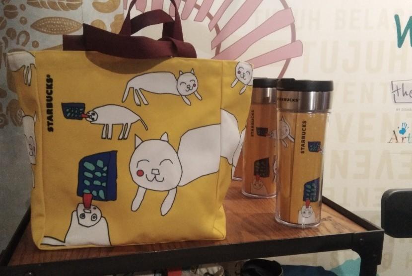 Salah satu koleksi tas dan tempat minum Starbucks yang dibuat bersama ABK dan The Special ID.