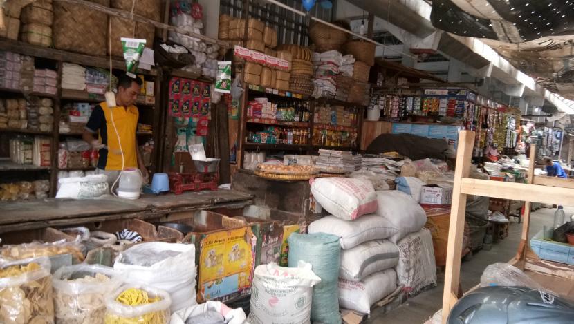 Salah satu lapak pedagang di pasar tradisional.