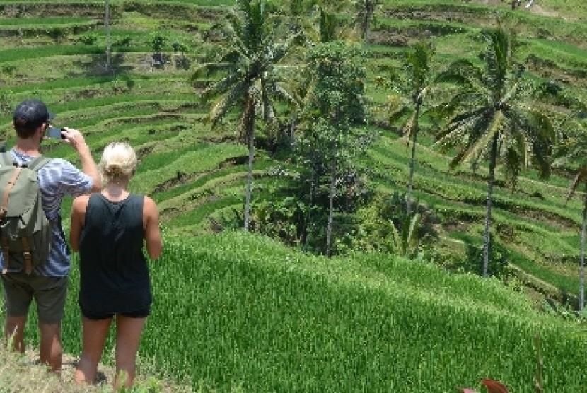 Salah satu lokasi wisata di Bali yang ramai dikunjungi wisatawan asing.
