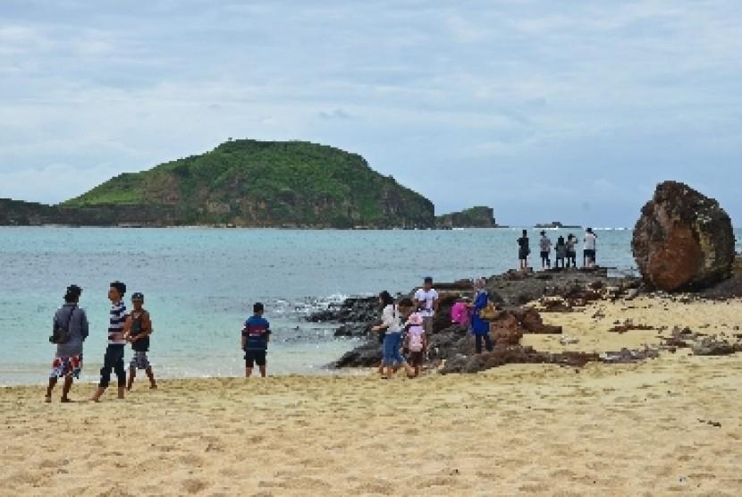 Salah satu pantai yang masuk kawasan ekonomi khusus Mandalika, Lombok Tengah.