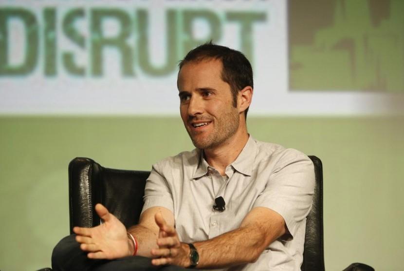 Salah satu pendiri dan pimpinan eksekutif Twitter, Evan Williams, mengundurkan diri dari perusahaan tersebut.