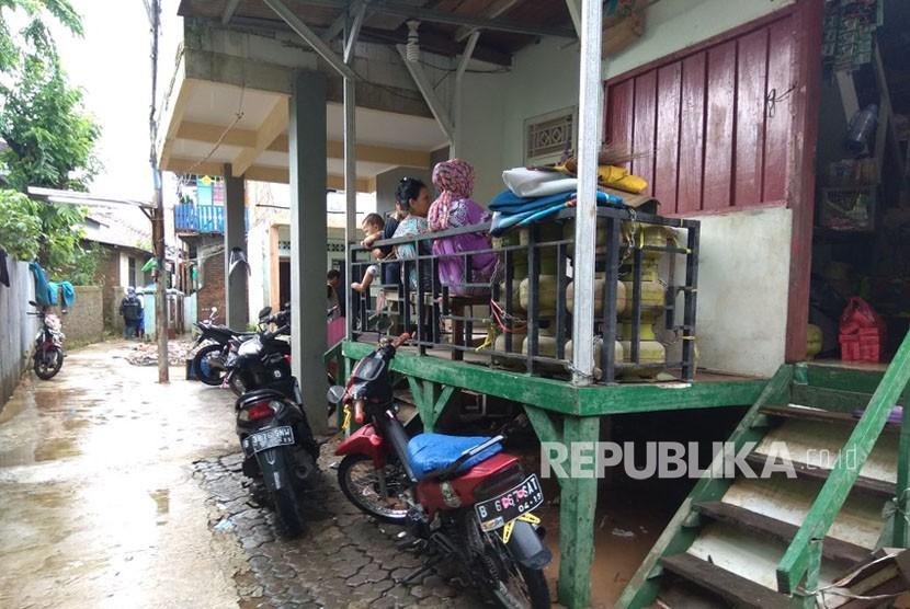 Salah satu rumah warga di Kampung Arus, Jakarta Timur yang banjirnya telah surut.