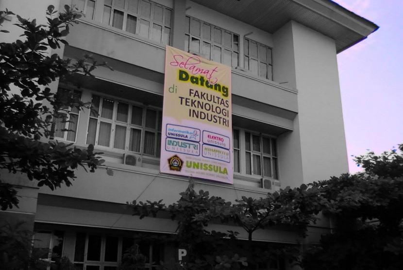 Salah satu sudut kampus Unissula Semarang.