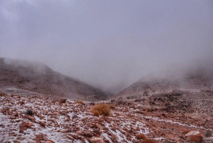 Salju menyelimuti wilayah Tabuk, Arab Saudi