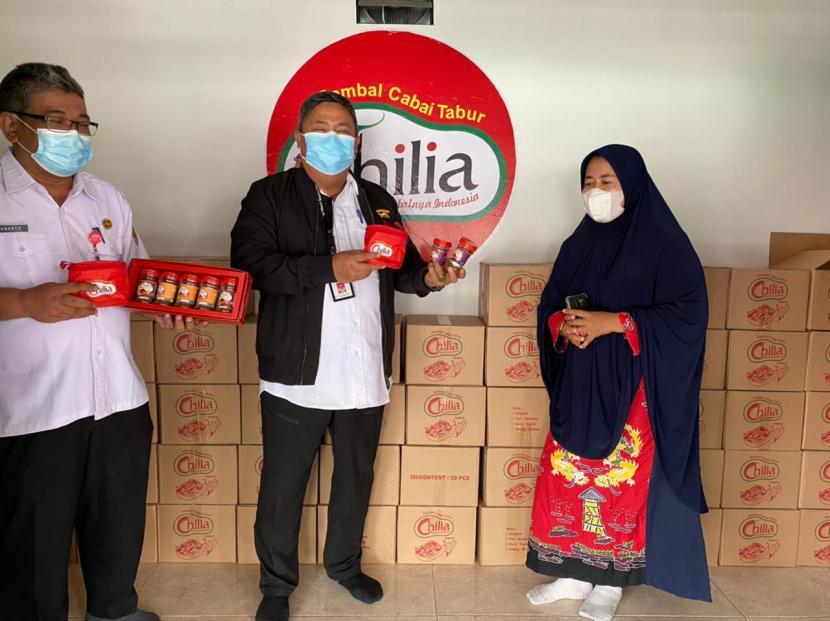 Sambal bubuk merek Chilia berkembang pesat dan telah dipasarkan hingga Malaysia