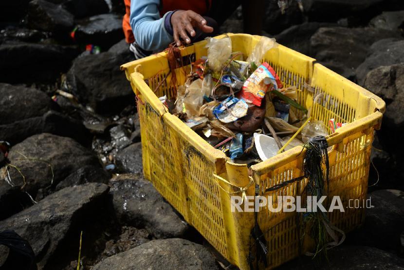 Sampah laut yang terkumpul.
