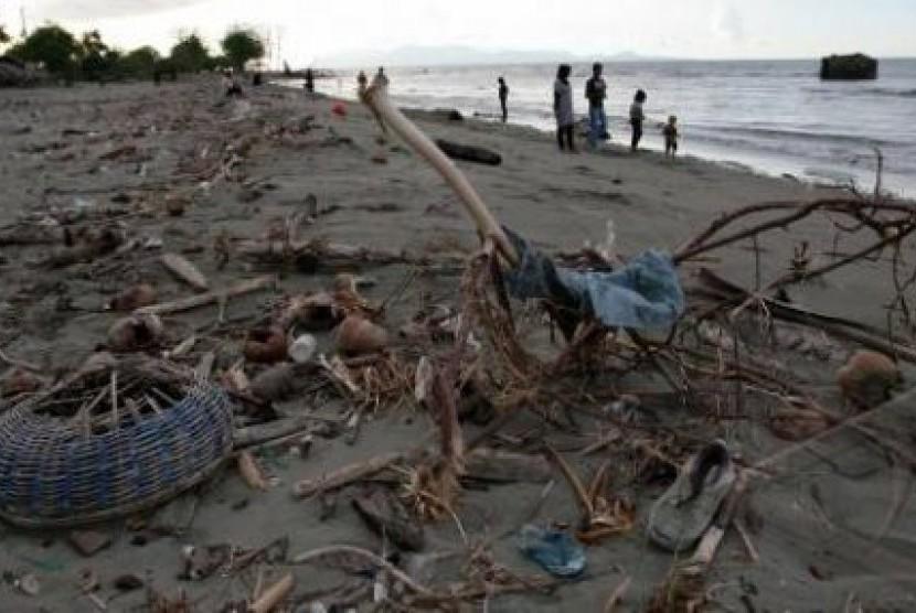 Kursi Kayu Bekas Jogja  sampah kayu di laut diubah perajin bantul jadi barang