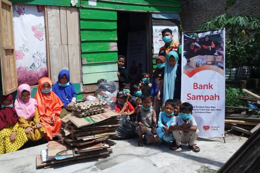 Sampai saat ini Bank Sampah Juara yang merupakan binaan Rumah Zakat terus melakukan pembenahan menuju lebih baik lagi. Mulai dari terus mengkampanyekan Bank Sampah Juara sampai dengan mengajak masyarakat peduli terhadap lingkungan sekitar dengan sadar membuang sampah pada tempatnya.