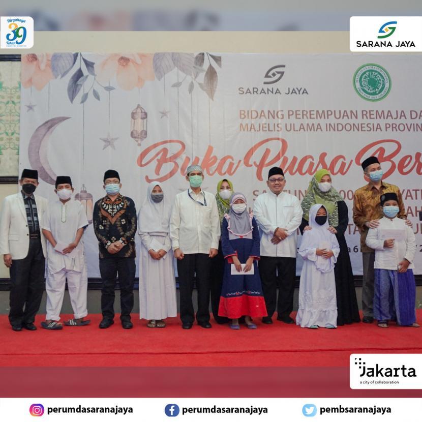Sarana Jaya dan MUI DKI Jakarta Santuni 100 Anak Yatim