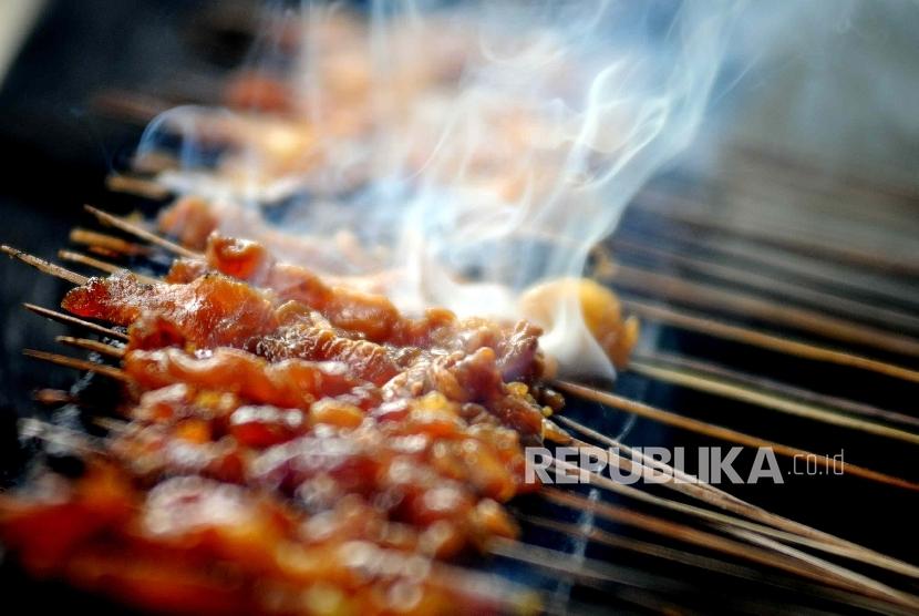 Sate ayam, kuliner khas Indonesia