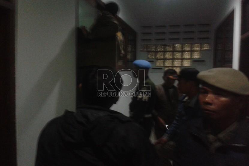 Satuan Polisi Pamong Praja (Satpol PP) Kota Bandung saat melakukan razia (ilustrasi)