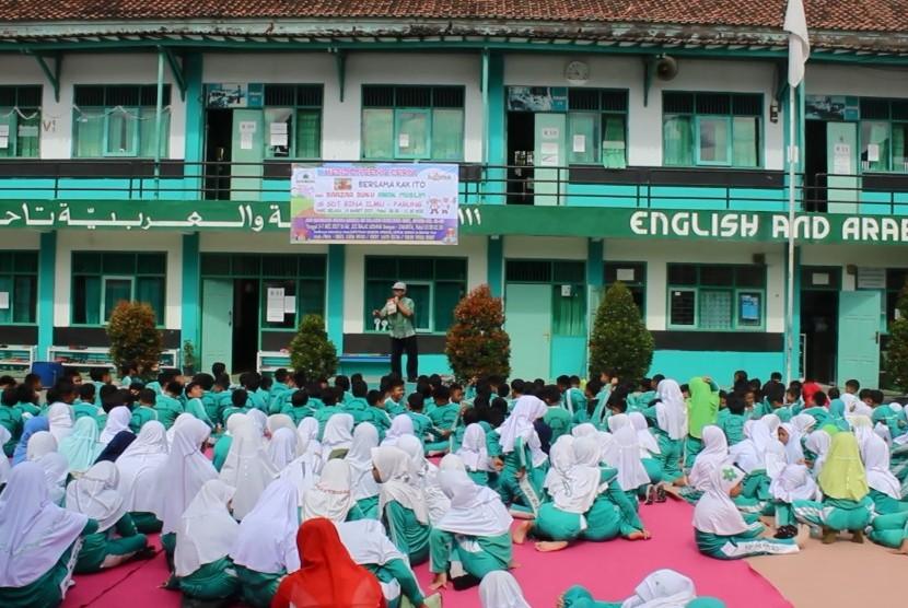100+ Gambar Anak Sekolah Muslimah HD
