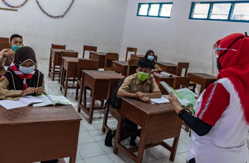 Kemendikbud Imbau Pemda Validasi Kesiapan Sekolah Tatap Muka
