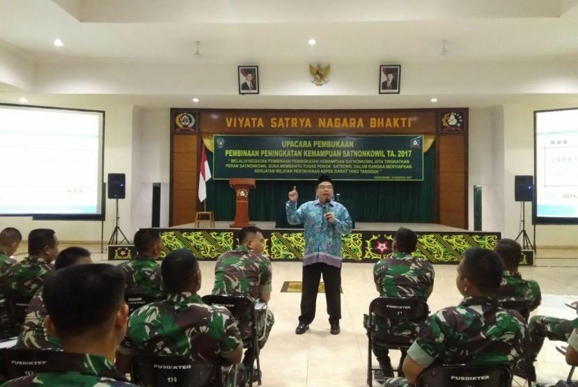 Sebanyak 238 anggota TNI perwakilan Batalyon dari berbagai wilayah Indonesia mendapat bekal konsep berpikir suprarasional.