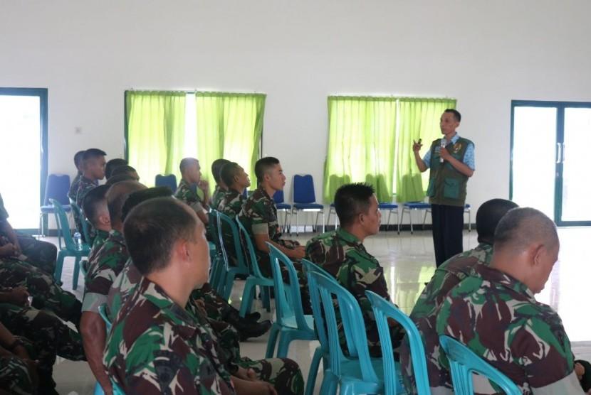 Sebanyak 34 prajurit Divisi Infanteri 2 Kostrad mengikuti pelatihan kader pembina wisata matematika bela negara.