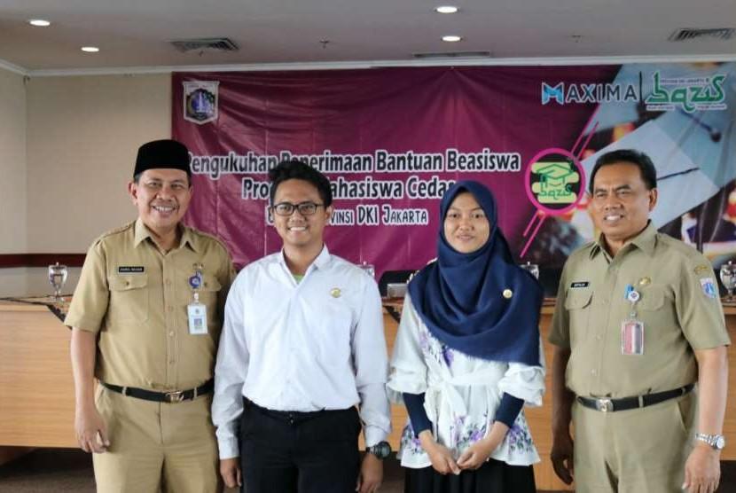 Sebanyak 50 mahasiswa terima bantuan Program Mahasiswa Cerdas Bazis DKI Jakarta.