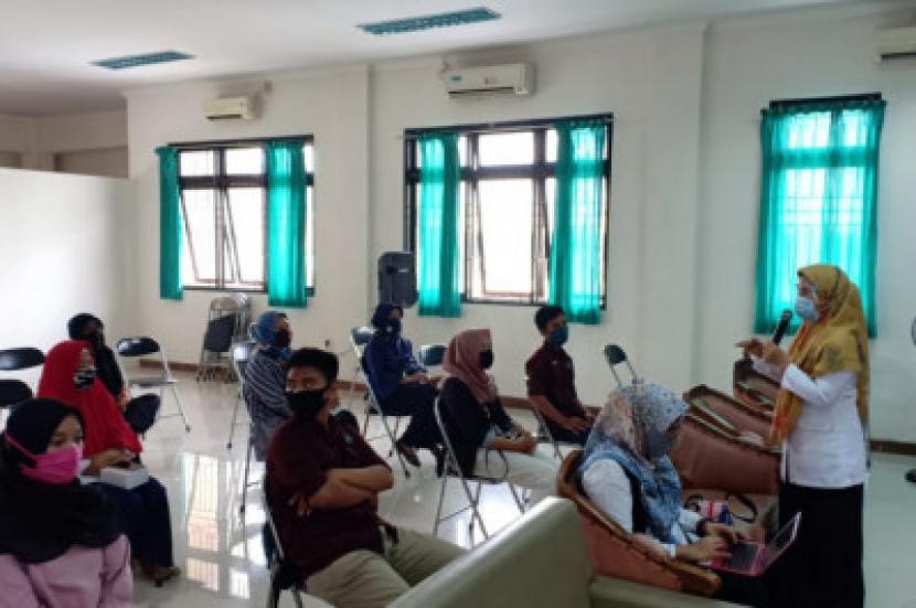 Sebanyak 60 peserta berusia remaja mengikuti program Sekolah Pranikah (SPN) di Depok (ilustrasi)