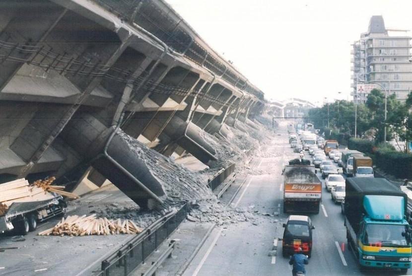 Sejarah Hari Ini Gempa Bumi Kobe Tewaskan 6 500 Orang Republika Online