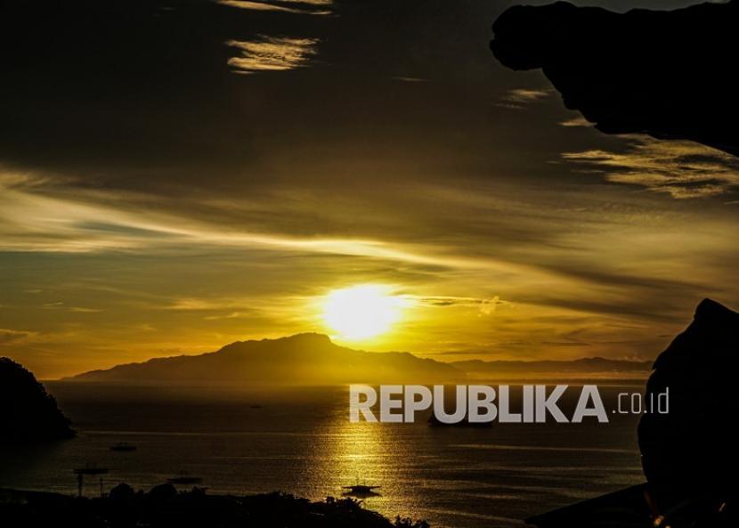Matahari terbit (ilustrasi)