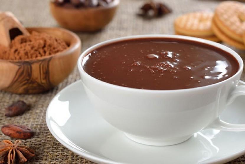 Secangkir cokelat hangat