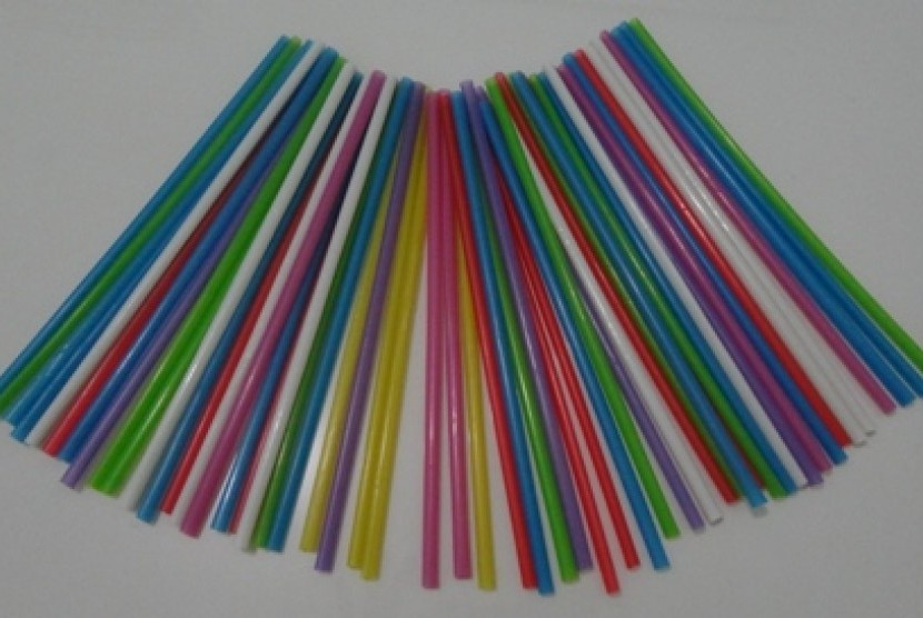 Sedotan Plastik