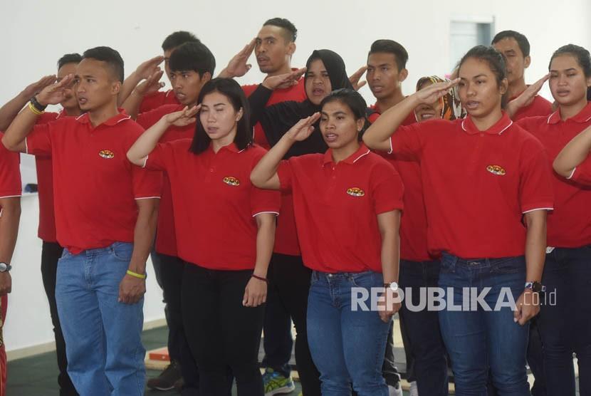Atlet dan ofisial pelatnas angkat besi Asian Games Indonesia. (ilustrasi)