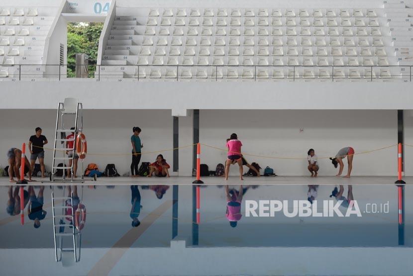Sejumlah atlet pelatnas loncat indah berlatih di Stadion Akuatik, Kompleks Gelora Bung Karno, Senayan. (ilustrasi)