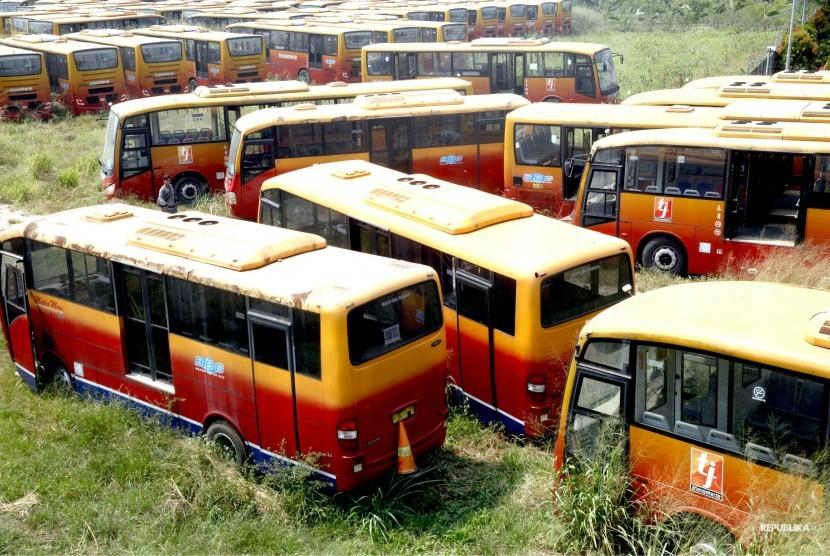 Sejumlah bus Transjakarta yang sudah tidak digunakan lagi. (Ilustrasi)