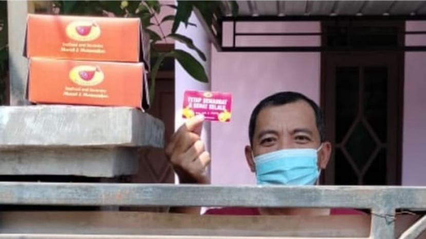 Sejumlah elemen masyarakat di Kota Malang menyalurkan bantuan untuk pasien yang menjalani isolasi mandiri.