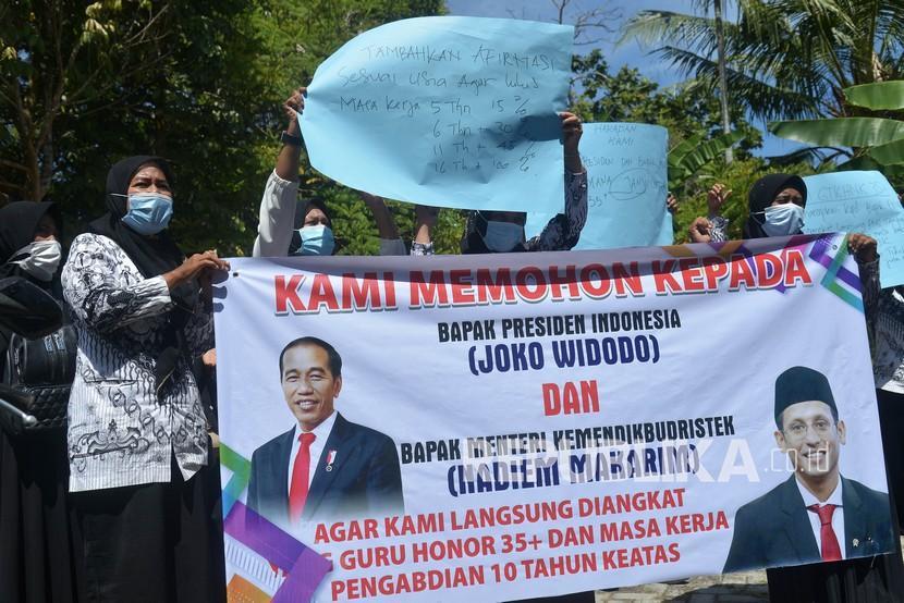 [Ilustrasi] Guru honorer di Aceh beraksi agar Presiden Joko Widodo memperhatikan nasib mereka.