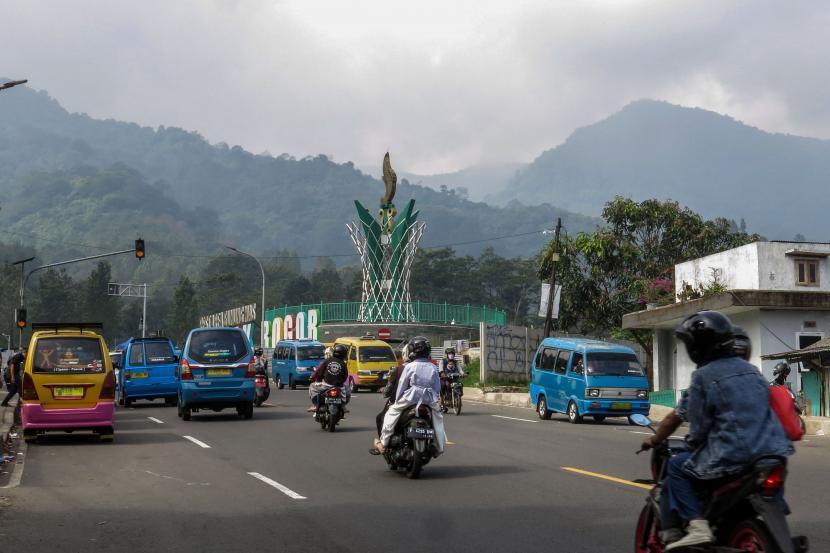Jalur wisata Puncak, Cisarua, Kabupaten Bogor, Jawa Barat
