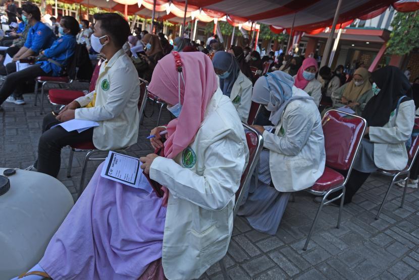 Polda Jateng Vaksinasi 26.000 Mahasiswa di Sembilan Lokasi (ilustrasi).