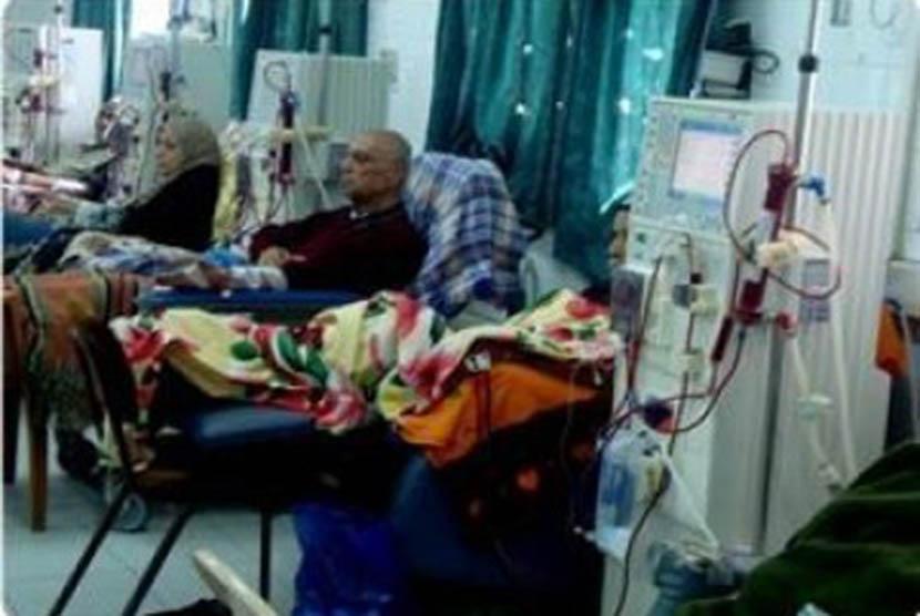 Sejumlah pasien di sebuah rumah sakit di Gaza.