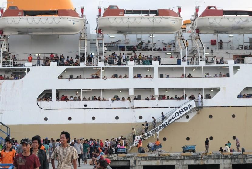 Menarik Pesantren Kilat Di Atas Kapal Laut Republika Online