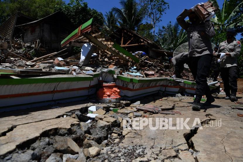 Korban Gempa di Kabupaten Malang Bertambah Satu Orang (ilustrasi).